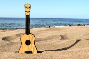 guitar-in-the-sand_571709050-4