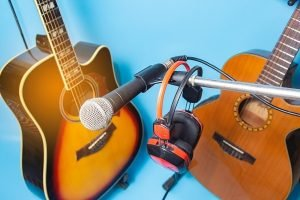event_live_music_2_guitars_and_a_microphone-27
